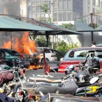 Karachi KESC Head Office - Cars burned in protest at parking lot