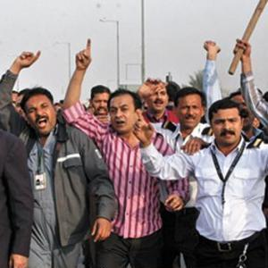 PIA Strike 2nd day: Workers Protests continue (Picture Gallery)