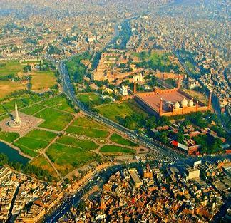 """Protest against """"Doctors Strike"""" in Lahore: Jang Breaking News"""