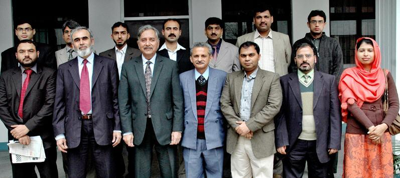 UET Lahore Teaching Staff Association Meets VC (Group Photo)