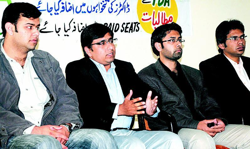 YDA Rawalpindi President Dr Umar Saeed in Press Conference (pic)
