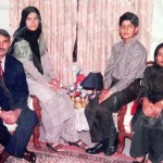 DG Punjab Rangers Major General Muhammad Nawaz  Family Picture (2 sons, 2 Daughters, & Wife)
