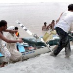 Recue 1122 team in Indus River in search of Punjab Rabgers Helicopter & Dead Bodies