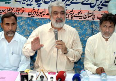 Prem Labour Union demands funds for recovery of Pakistan Railways