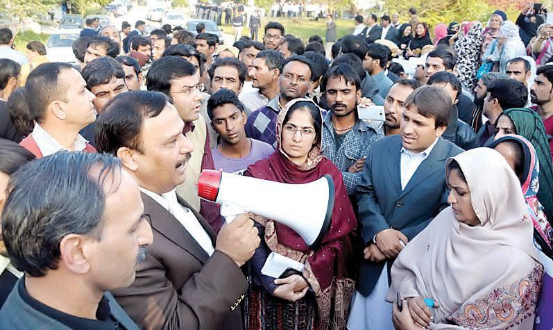 Malik Abrar MNA Rawalpindi Addressing Daily Wages Employees in D Chowk Islamabad